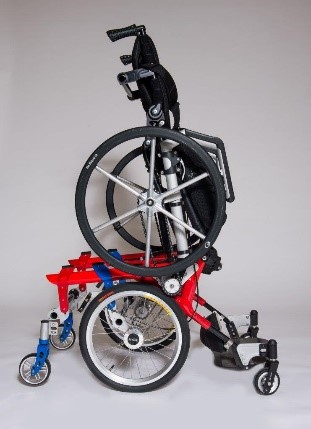 Mobile manual standing wheelchair