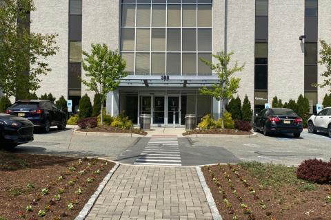 Front of the Hackensack clinic building