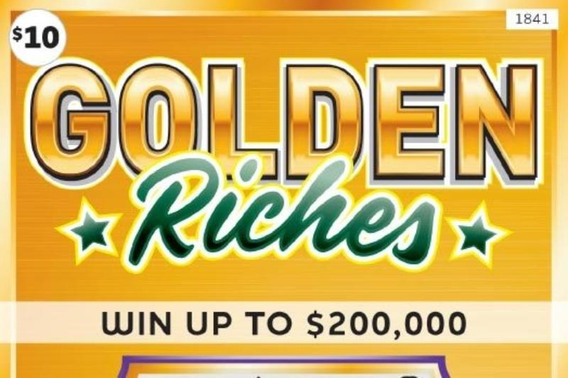 Dodd Road Holiday #554 | MN Lottery Golden Riches winner